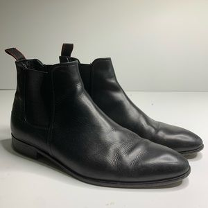 Hugo Boss black leather chelsea boots 6.5